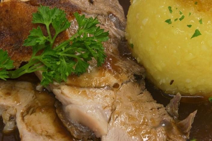 Gaststätte Freiland -Schweinebraten mit Knödel